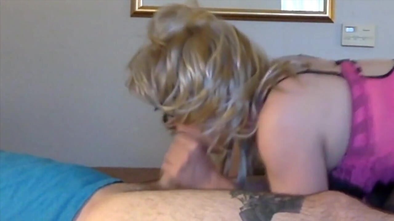 Trans Girl Gives a Blowjob then plays pt.1 2