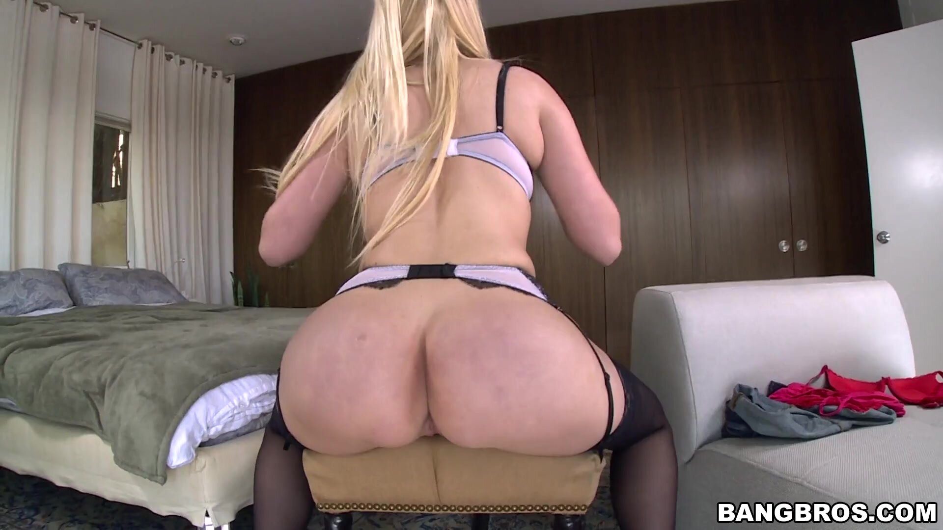 Victoria Cage White Girl Knows How To Ride The Dick - Dee Dee