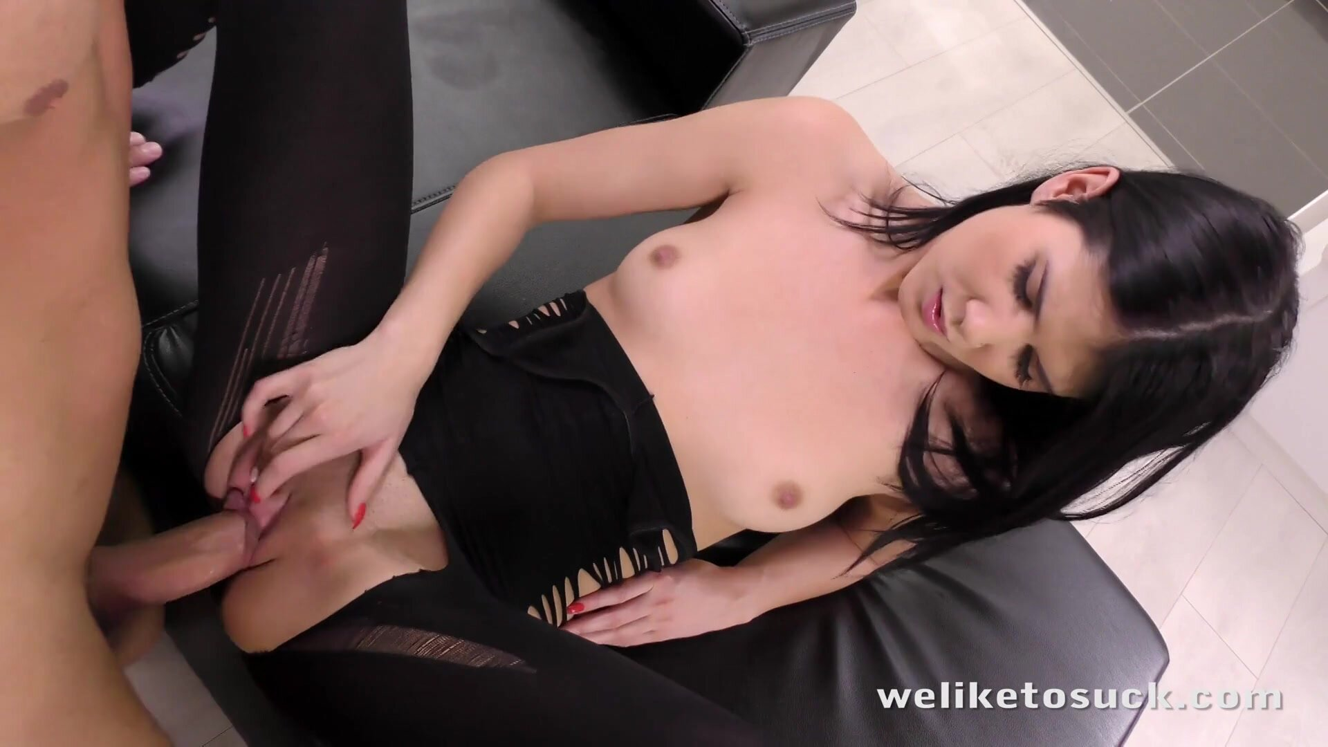 Massive Cock In Her Pussy And Mouth - Lady Dee