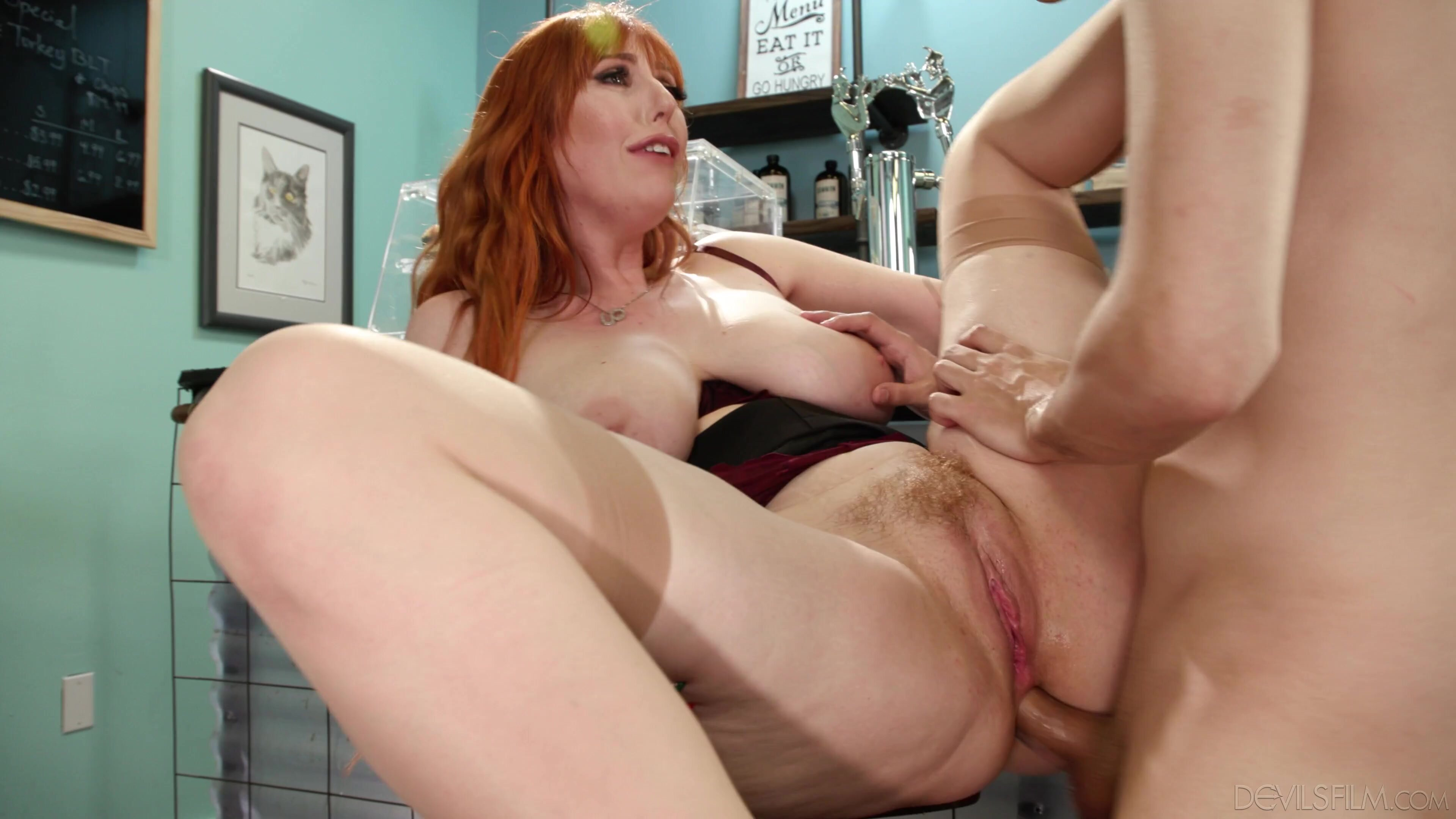 Stepmom Likes It Up The Ass 2